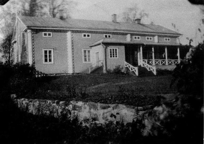 Iso-Pappila vuonna 1920 ennen vuonna 1933 tehtyä laajennusta. Kuva: Mäntyharjun museo.