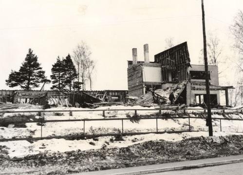 Harjulinnan hävitys. Kuva: Mäntyharjun museo, kuvaaja: Hannu Heilio.
