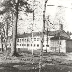 Yhteiskoulu vuonna 1978. Kuva: Mäntyharjun museo, kuvaaja: Hannu Heilio.