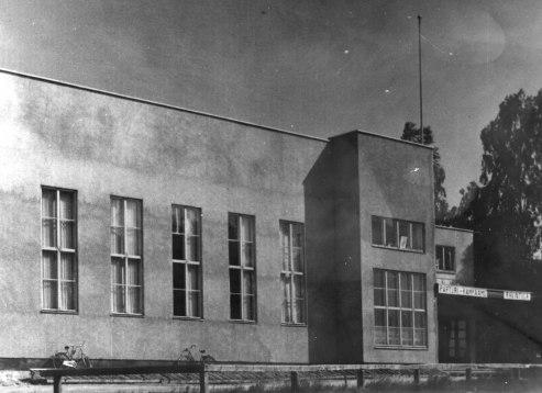Harjulinna 1950-luvun alussa. Kuva: Mäntyharjun museo, kuvaaja: Kaija-Maija Kemppainen.