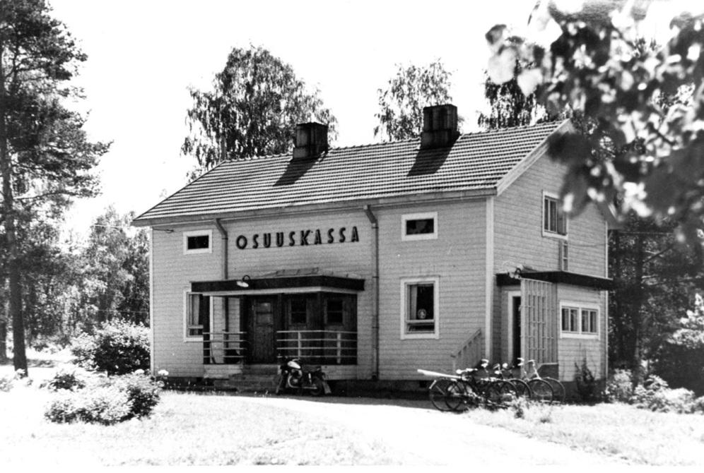 Osuuskassan vuonna 1948 valmistunut konttori on olemassa Asemankylällä. Kuva: Mäntyharjun museo.