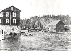 Voikosken tehdasalue vuonna 1904, ennen Woikoski Oy:n aikaa. Kuva: Mäntyharjun museo.
