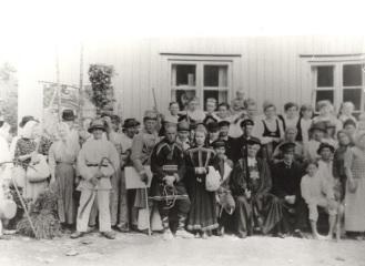 Näytelmäseurue. Kuva: Mäntyharjun museo.