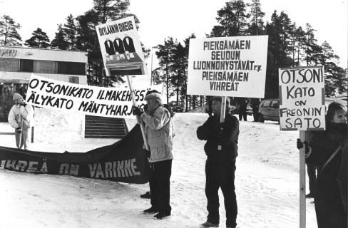 Coldtherm_mielenosoitus_7.11.1988_1