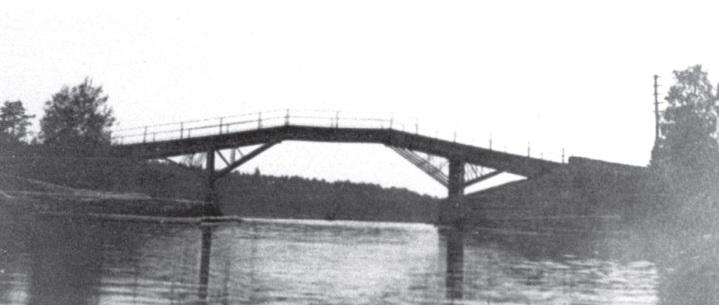 Raja kulki mm. Kiepinsalmen kautta. Kuvassa Kiepinsalmen silta 1930-luvulla.