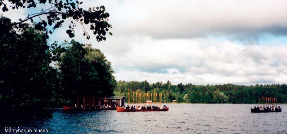kirkkoveneella-rantaan