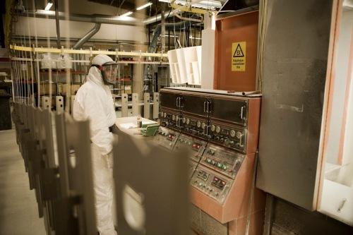 Maalausta Vakiometallin tehtaalla vuonna 2008. Kuva: Vakiometalli